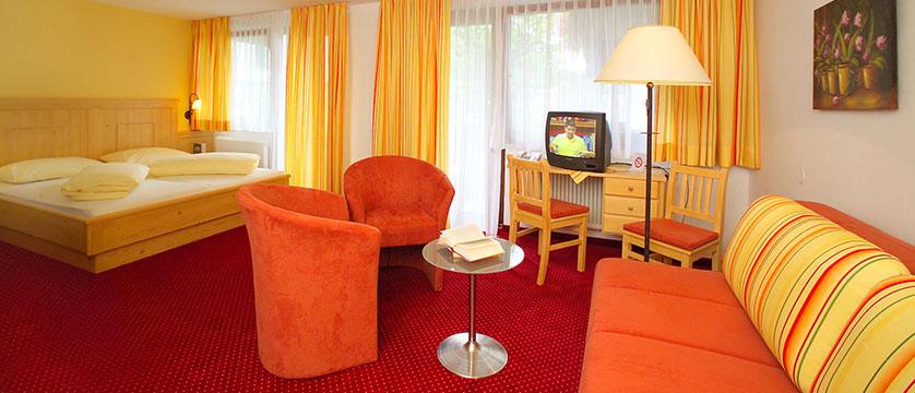 austria_ski-welt-ski-area_soll_hotel-austria_bedroom2.jpg